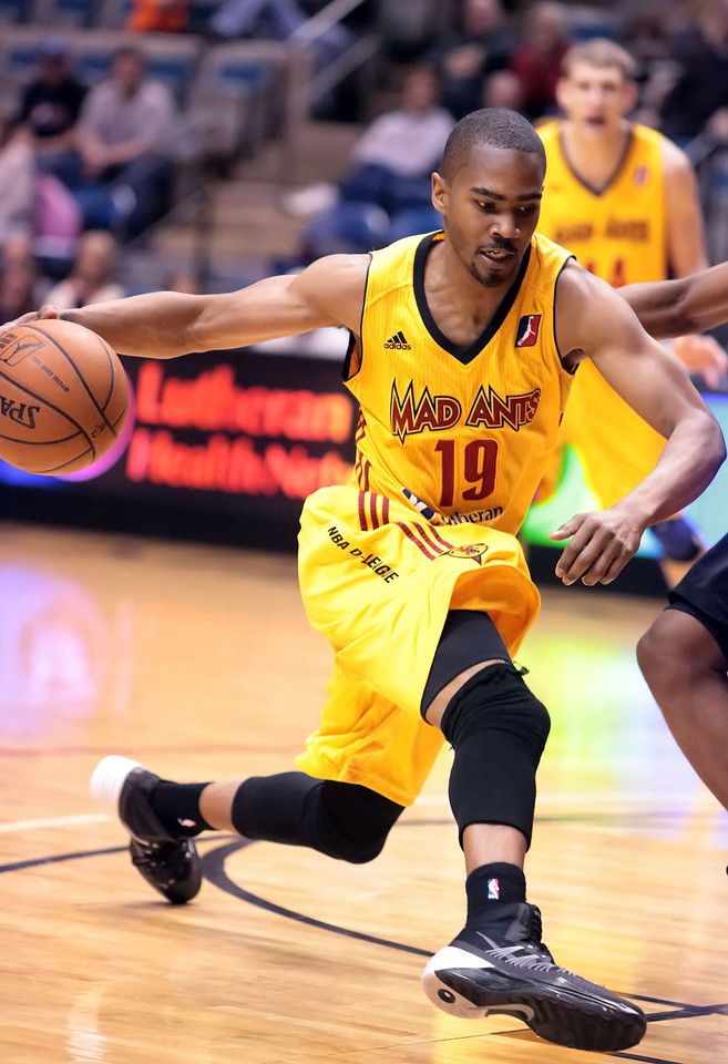 IMAGE: http://gerberphotos.smugmug.com/Sports-Events/Mad-Ants-20132014-/i-6RQCqVm/0/X2/5P1B6765-X2.jpg