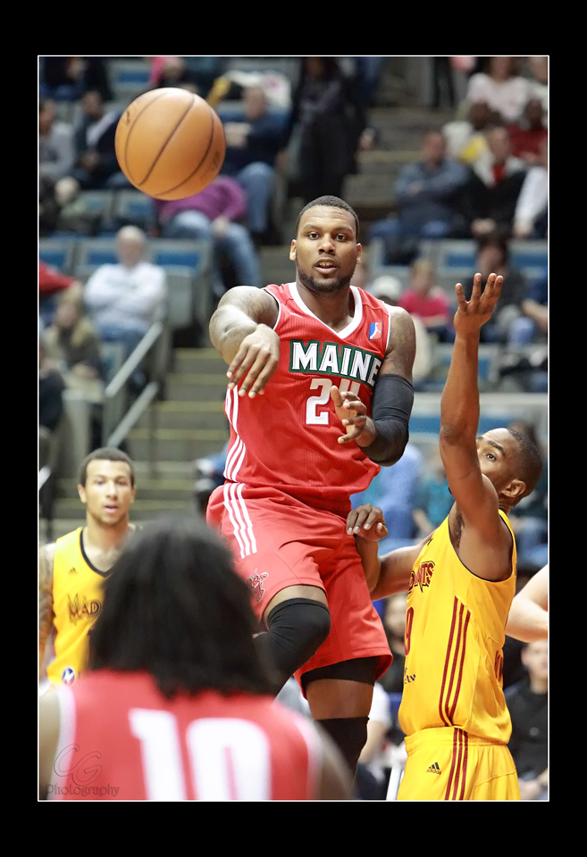 IMAGE: http://gerberphotos.smugmug.com/Sports-Events/Mad-Ants-20132014-/i-KxRQcWg/1/X2/5P1B4276-X2.jpg