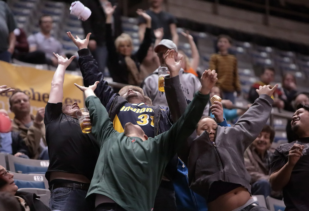 IMAGE: http://gerberphotos.smugmug.com/Sports-Events/Mad-Ants-20132014-/i-fW3Pp3K/0/XL/5P1B6719-XL.jpg
