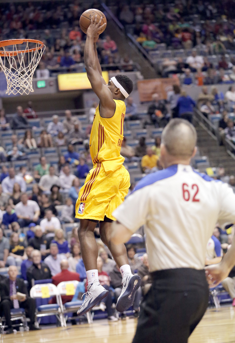 IMAGE: http://gerberphotos.smugmug.com/Sports-Events/Mad-Ants-2014-2015/i-BpR43BG/0/X3/5P1B6074-X3.jpg
