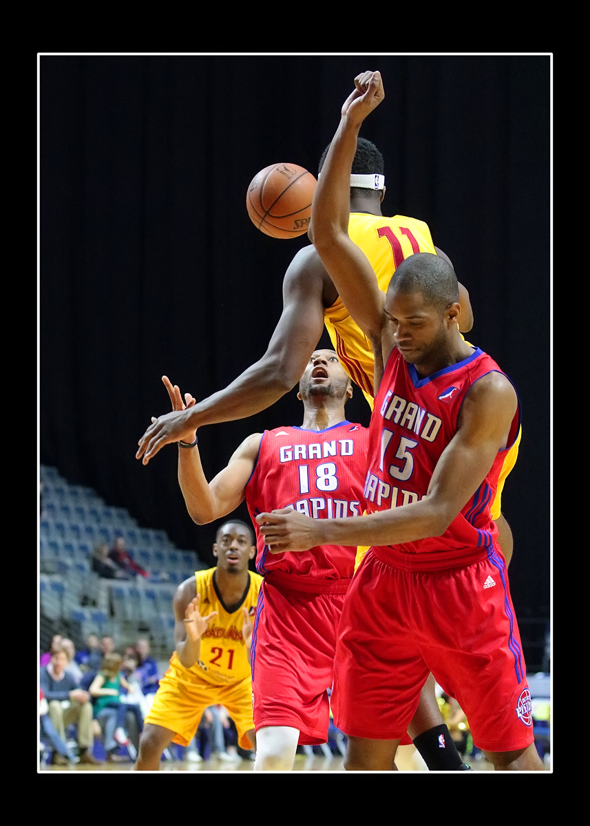 IMAGE: https://gerberphotos.smugmug.com/Sports-Events/Mad-Ants-20152016/March-20-2016/i-zHZdwdD/0/X3/216A6566-X3.jpg